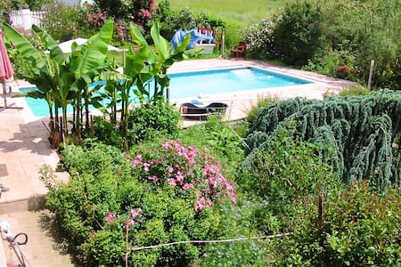Nice property with swimming-pool