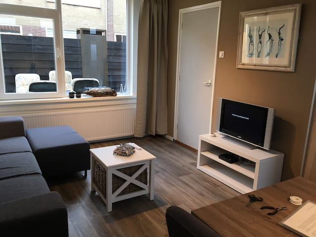 Renovated summerhouse near the beach and dunes - Egmond aan Zee - Apartment