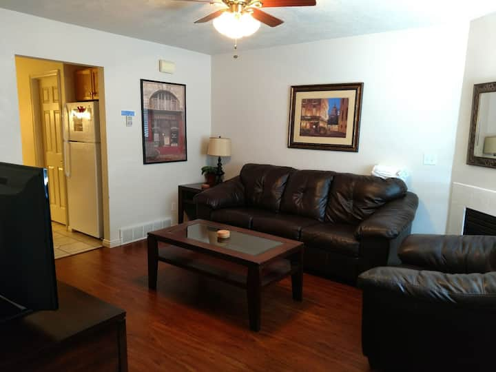 Lake View Condo 941 #2 - Newly Remodeled & Now with free Wi-Fi