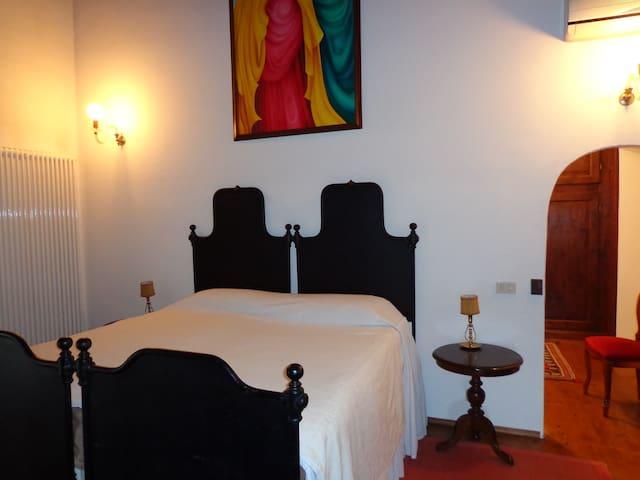 Suite de Charme - Concamarise - House