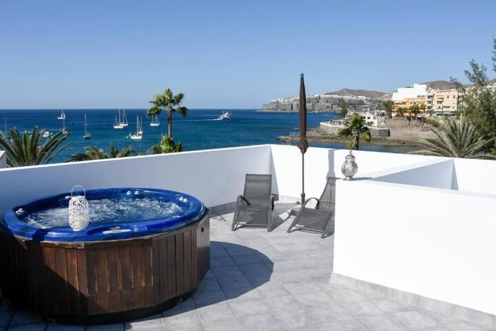 Pura Vida Beach Suite 2A