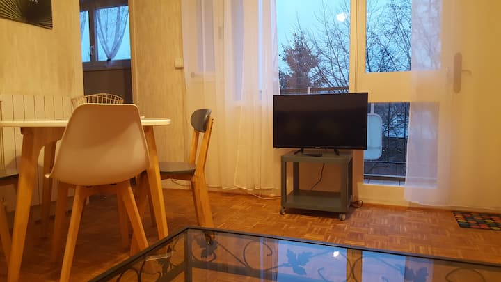Studio dans résidence proche centre ville Sedan