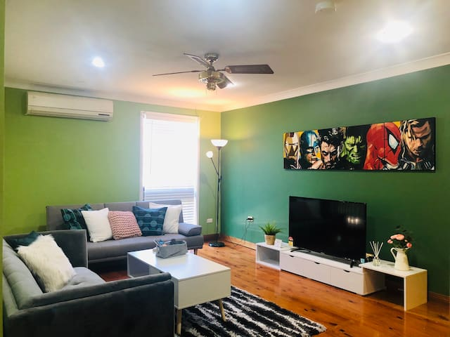 Penrith Relaxing Beauty 3BR Entire House Sleep 8
