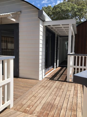 Unique architecturally designed sunny studio