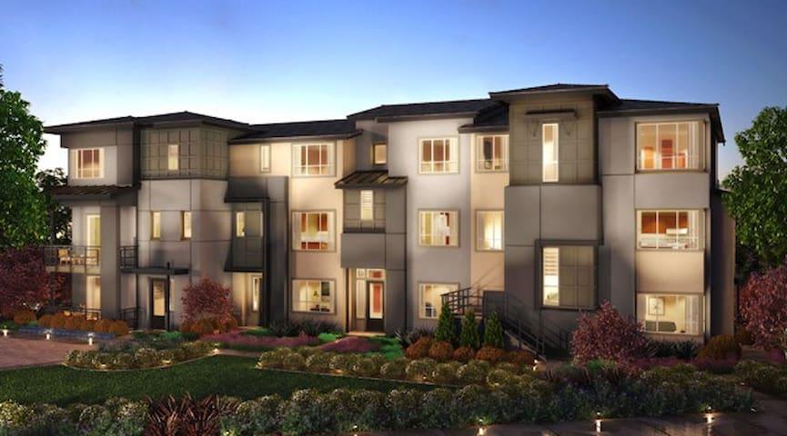 New 3/3.5 Condo San Jose/Milpitas - Milpitas - Maison de ville