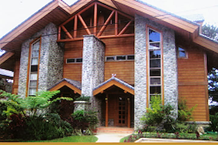 Camp John Hay Luxury house 4 rent2 - Baguio - Blockhütte