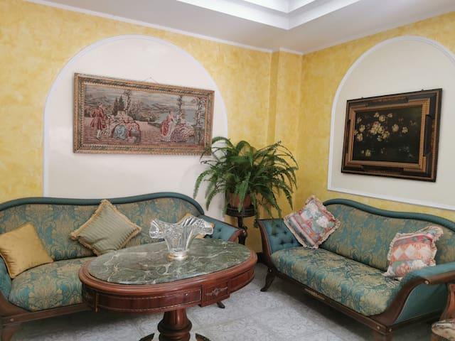 """Uniko House """"eleganza e comfort in centro città """""""