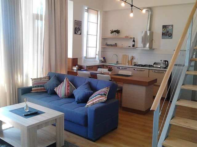Studio apartment in old Tbilisi - Tbilisi - Flat