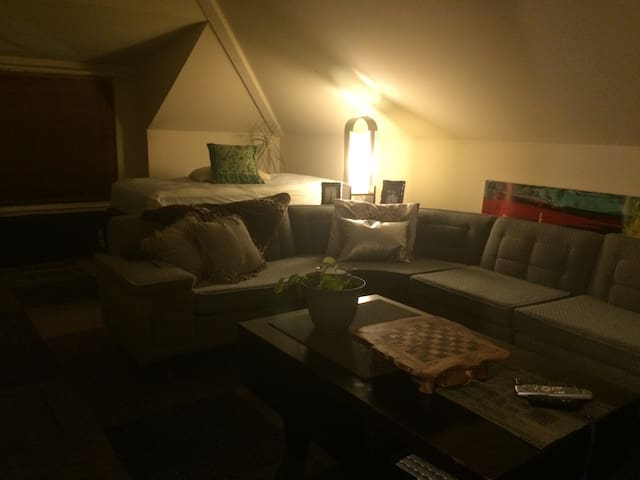 The Loft  with free parking - Harrisburg - Townhouse
