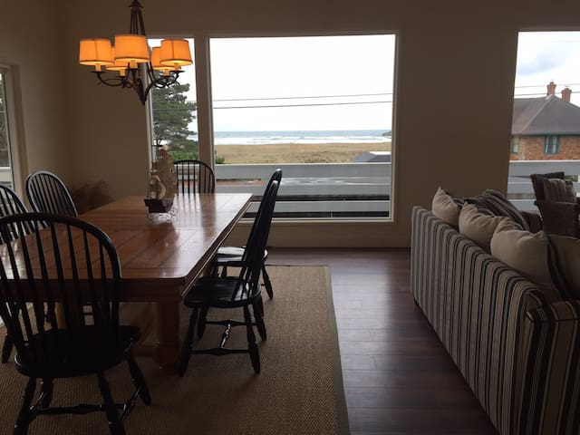 Gearhart Gem : 5 BR/3.5 BA : Ocean Veiws - Gearhart - House