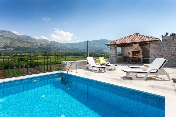 Villa with Terrace and Private Pool - Gruda - Villa