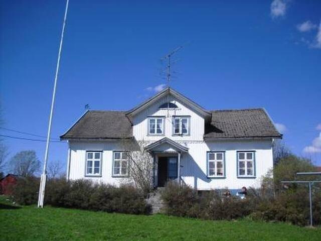 Landlig idyllisk leilighet
