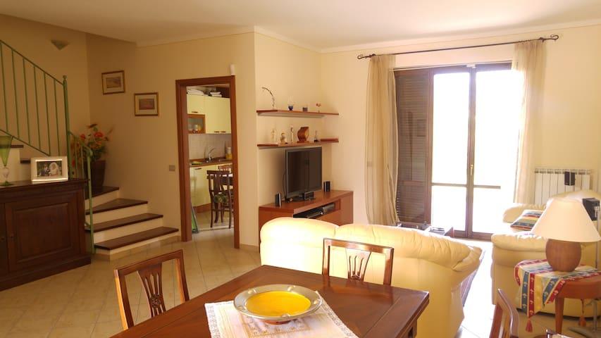 Un angolo di paradiso - Spoleto - House