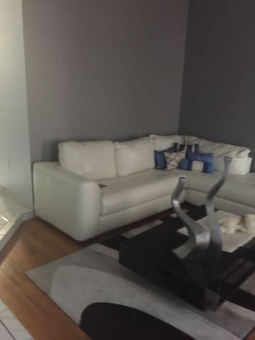 Spacious cozy share home - Miami - Talo