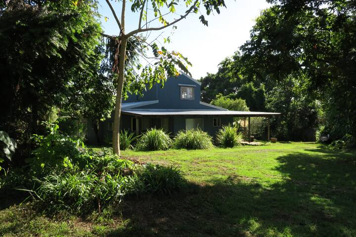 'Overhill' Eco Retreat / Farm Stay - Eureka