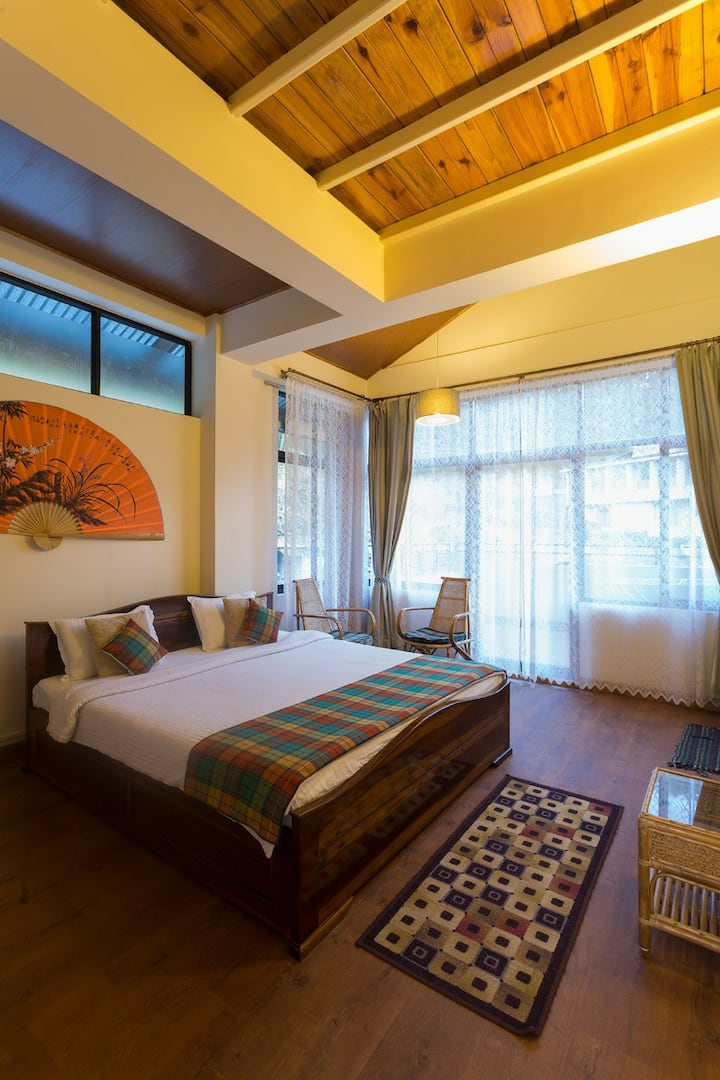 The Pine Room at Sha Ri Loum