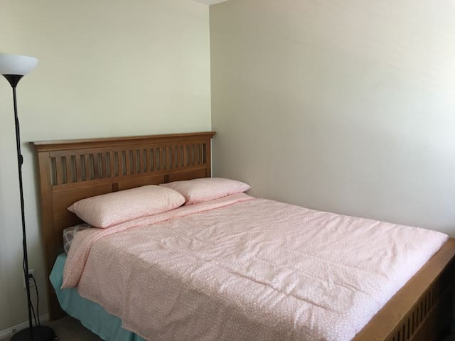 Bedroom for Two people - Rancho Cucamonga - Villa