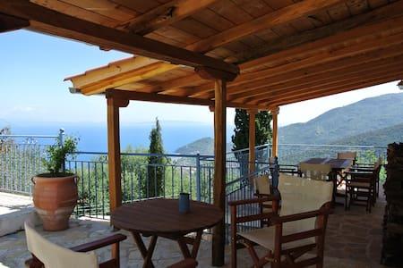 Ancienne bergerie rénovée - Tiros