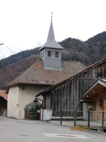 Au centre du village, la chapelle - possibilité de visite