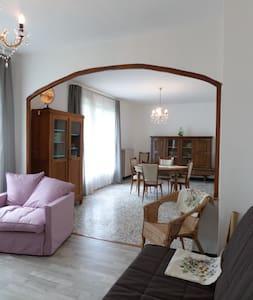 """Le """"Grand Gite""""  Chez Laurette - Morand - Haus"""