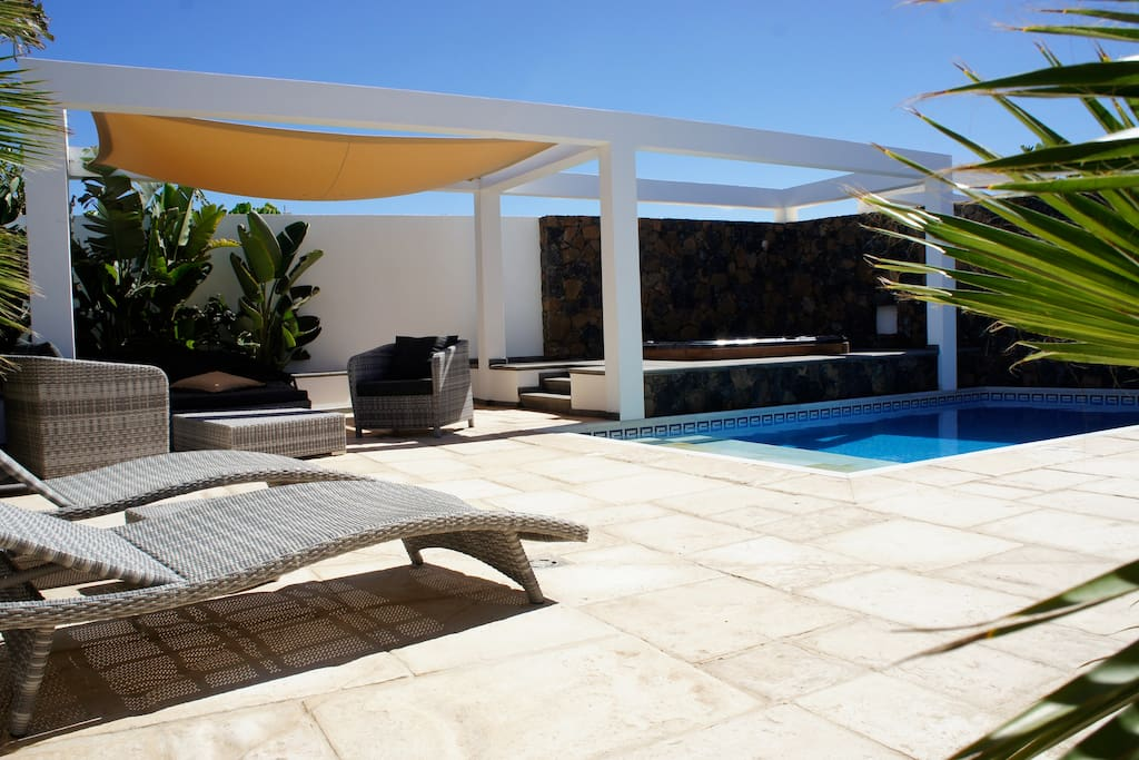 Casa paloma houses for rent in el cotillo canarias spain for Construction piscine 972