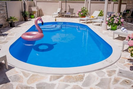 Villa Branka Apartment D4 with Pool near Dubrovnik