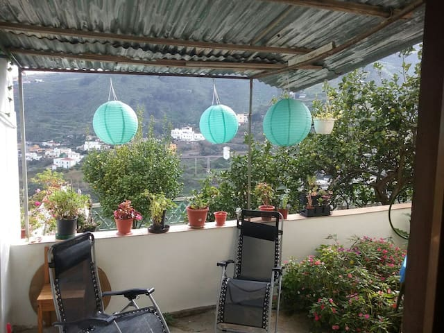 Nice room with mountain view - Miraflor - Apartament
