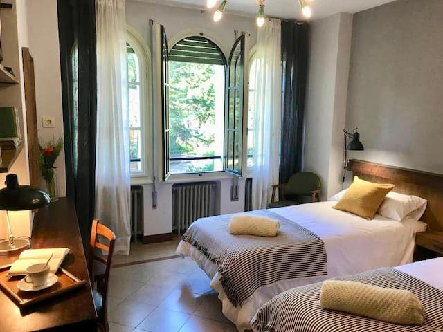 Dormitorio doble, estilo años 70
