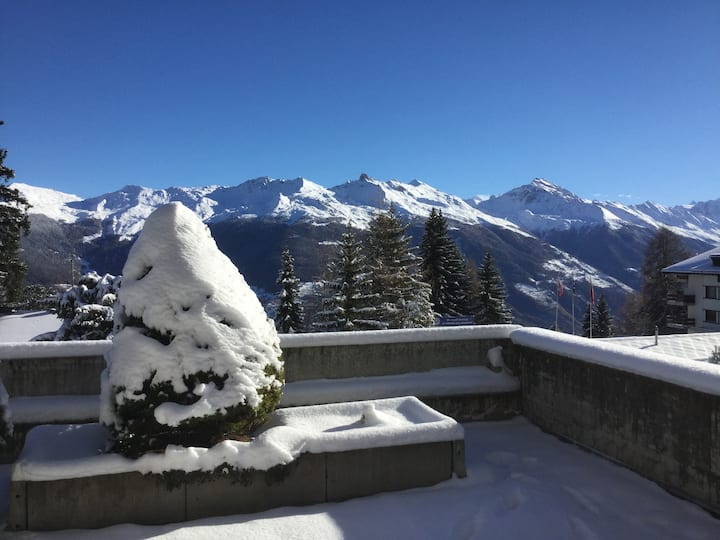 100 square meters / Mattherhorn view / paradise