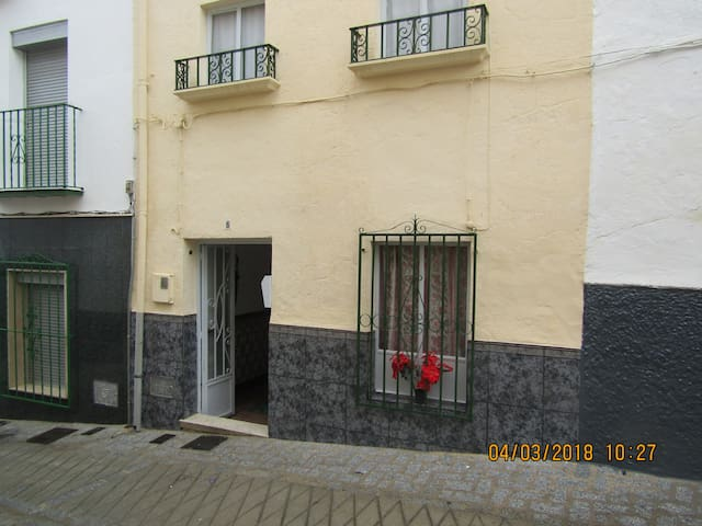 Castle view town house in Alcala la Real