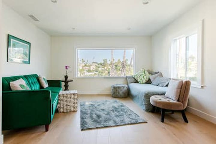 Sunset Blvd Palm View 1 bed 1 bath