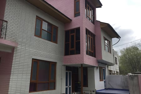 Homestay and bike on rent available - Srinagar - 단독주택