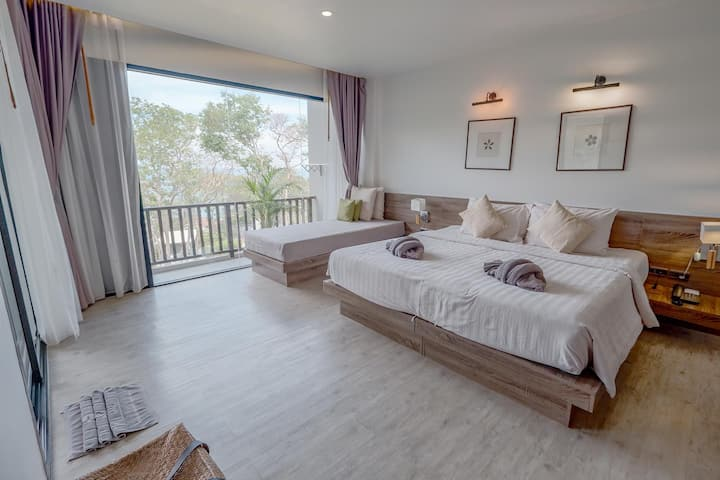 Moonlight Suite with Sea View & Jacuzzi 52 sqm