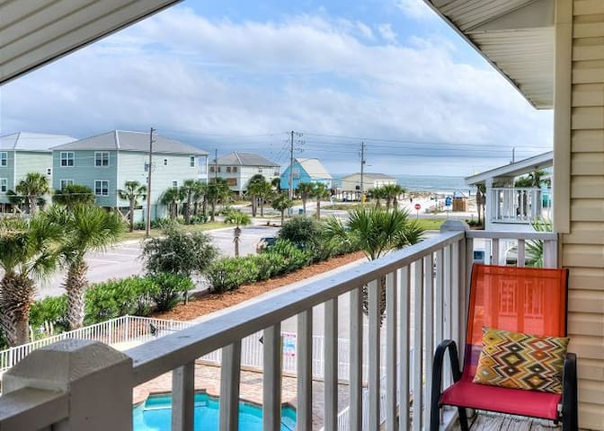 Affordable GULF VIEWS - Top Floor Unit!