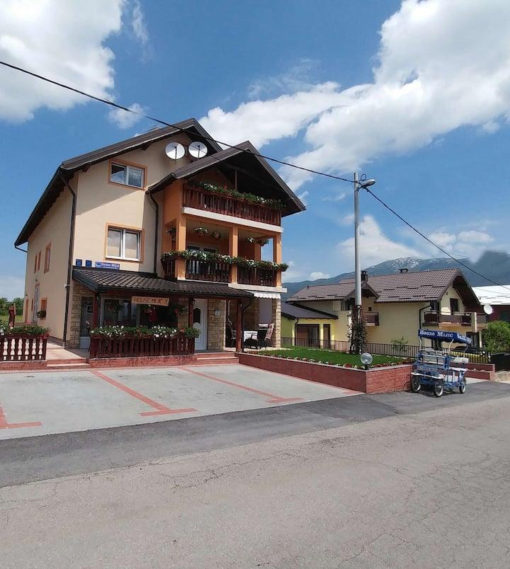 House Mijić app 3 with swimming pool