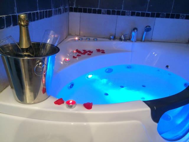 Idéal week-end en amoureux Week-end romantique... - Carpentras - Apartmen