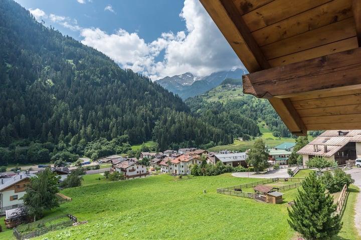 """""""Casa Bamby - Vioz"""" (CIPAT-Nummer: 022136-AT-057093) mit Balkon, Garten und Bergblick; Haustiere erlaubt, Parkplatz vorhanden"""