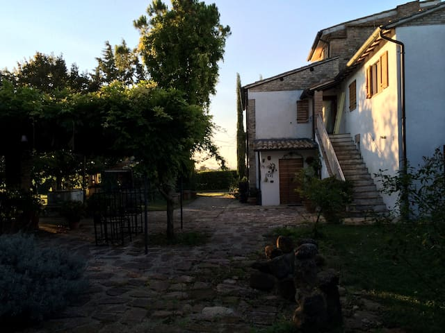 Beautiful country house near Assisi - Cannara - Casa