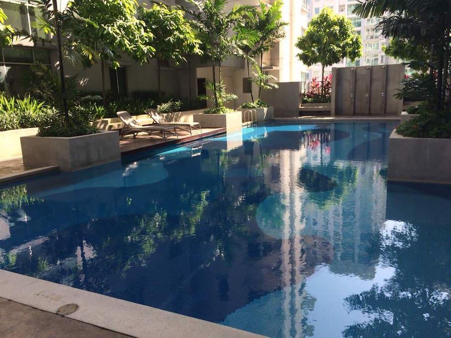 Swimming Pool (public)