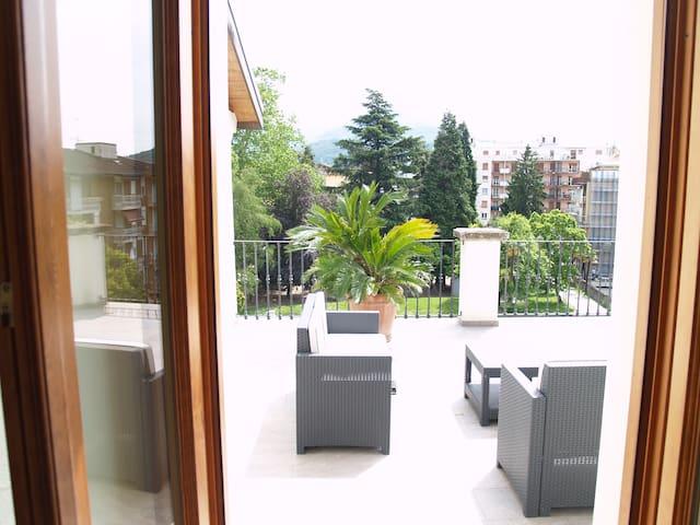 """""""Sole"""" in Casa Botta - Luino Lago Maggiore - Luino - Apartment"""