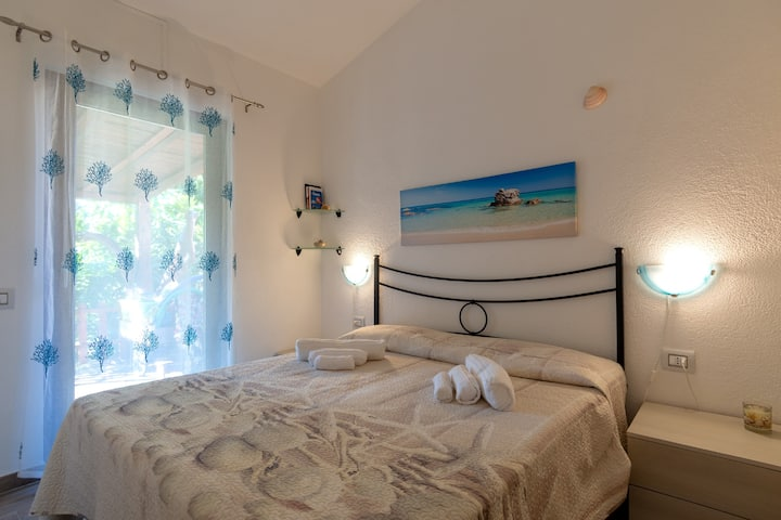 "Cosy Vacation Home ""Casa Zen"" close to the Beach with Wi-Fi, A/C, Balcony, Terrace & Garden; Parking Available"