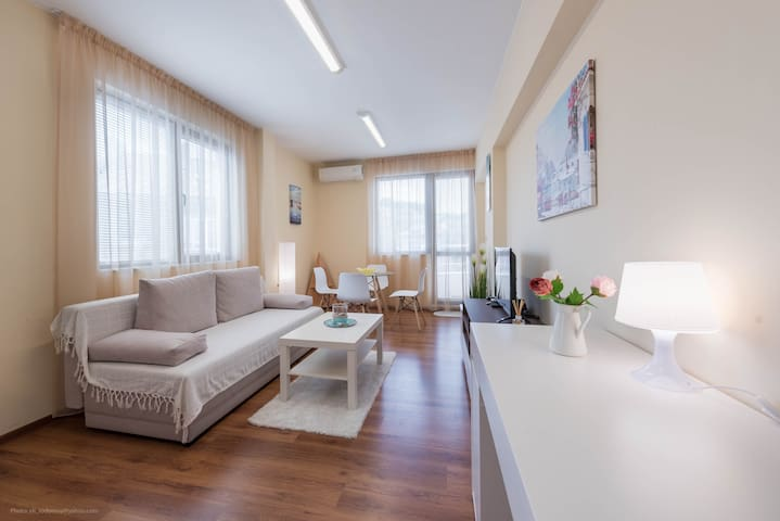 """Central Apartment """"Serenity"""""""