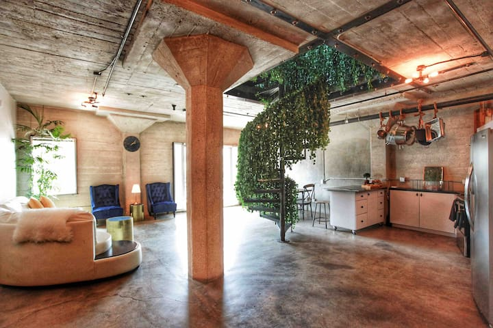 Secret Garden Loft -Hollywood - huge terrace