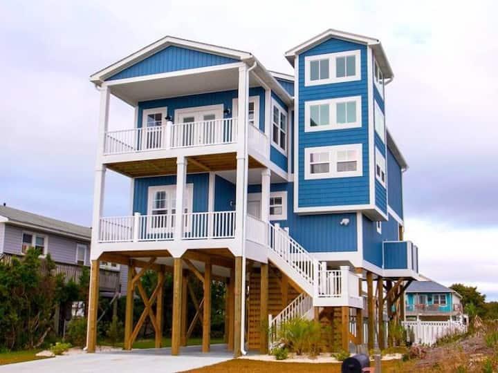Hakuna Matata Beach House, Oak Island, NC