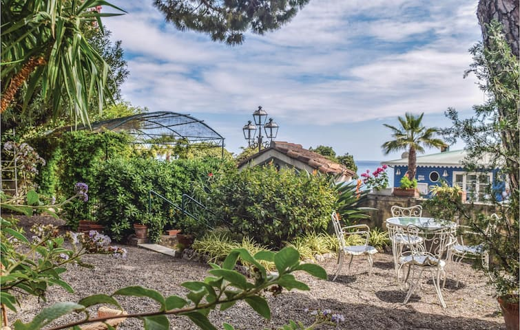 Holiday apartment with 3 bedrooms on 180m² in Ventimiglia -IM-