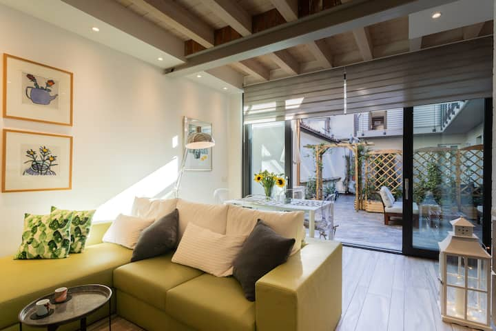 WHITE SUITE WITH PRIVATE TERRACE