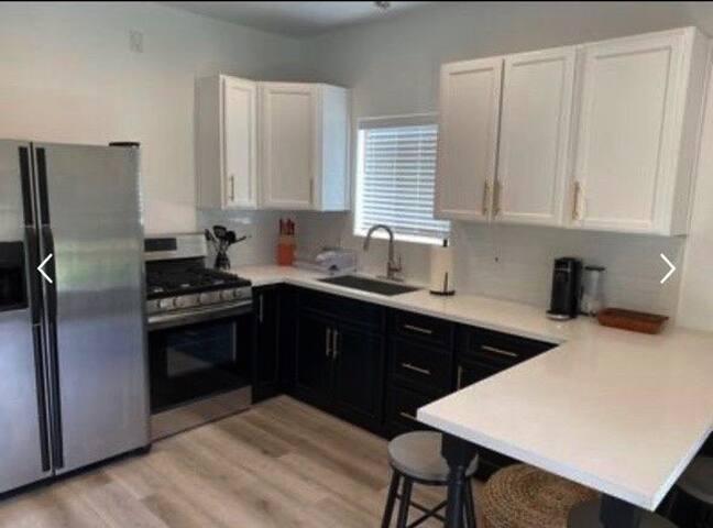 Comfy Home in GREAT neighborhood