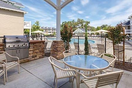 Windsor, CA Resort 3BR - FREE WiFi! - Windsor