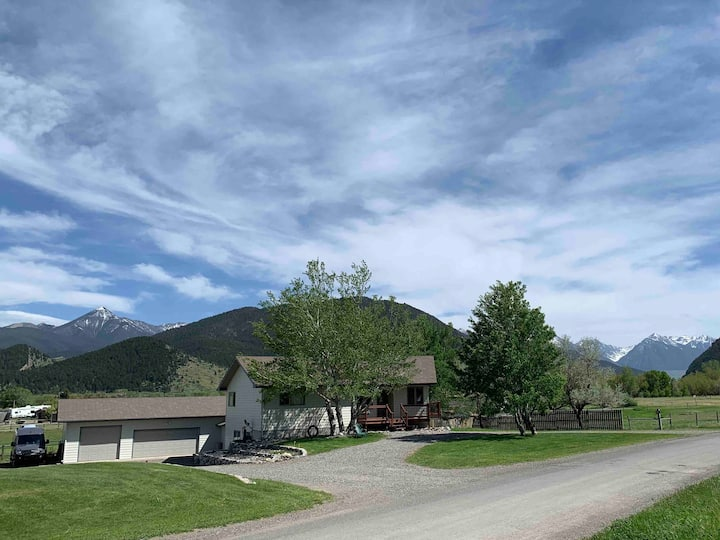 Ranch Home Gateway to Paradise Valley