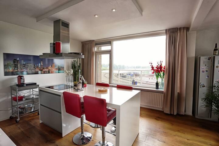 Centrum met uitzicht over de Rijn